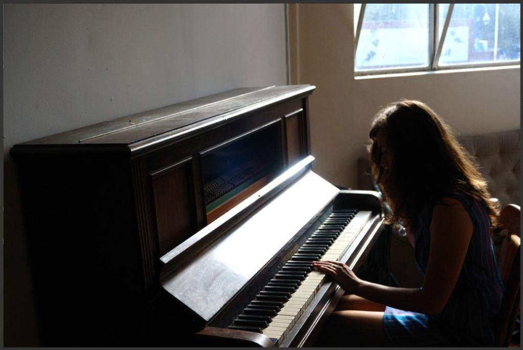 http://doubtfulsounds.files.wordpress.com/2011/08/tinyruins.jpg