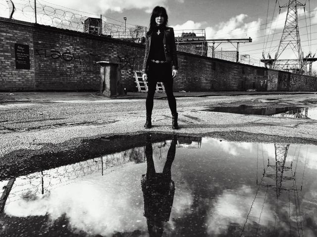 Suzie Stapleton - by Antonio Curcetti - BW.j